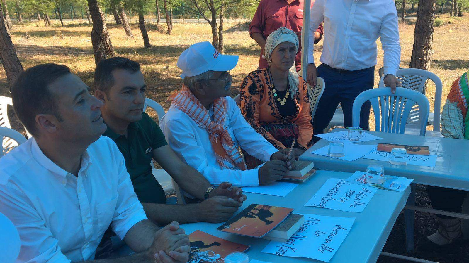 Adalet Kurultayı'nda Yörük Türkmen'leri konuştu vekiller dinledi