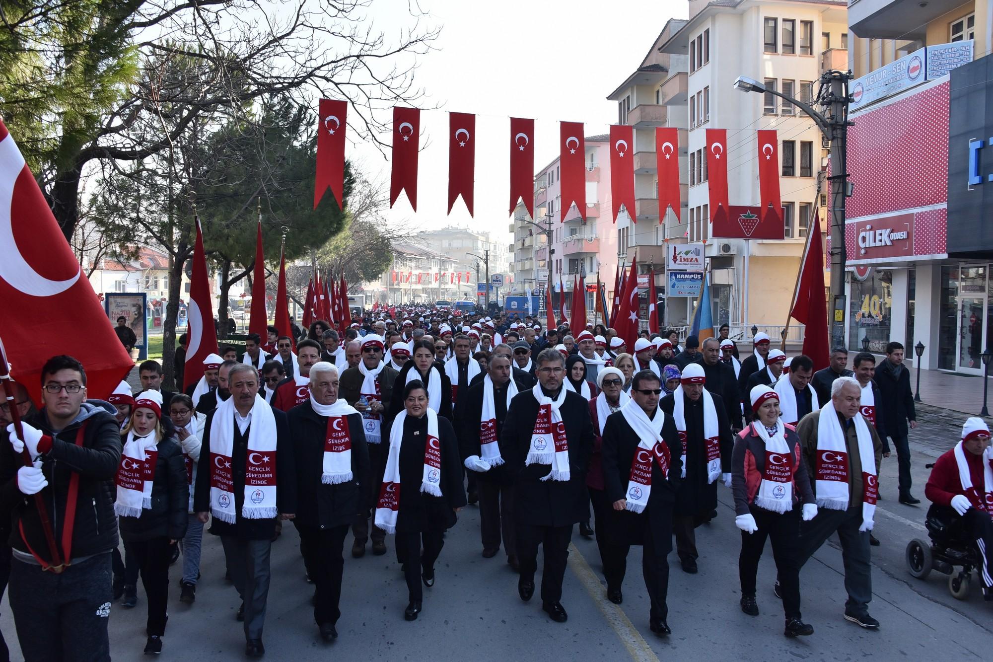 Vali Civelek, Sarıkamış Şehitleri için düzenlenen yürüyüşe katıldı